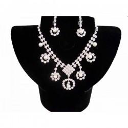 Set bijuterii cu perlute si cristale - model floare